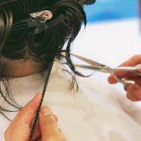 コンプレックスを長所に変えることがヘアスタイルにはできる