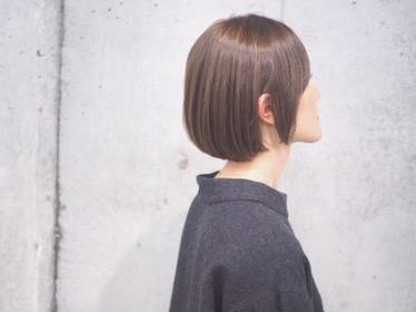 【直毛でも悩みはある】ストレートの良さをいかしたボブヘア